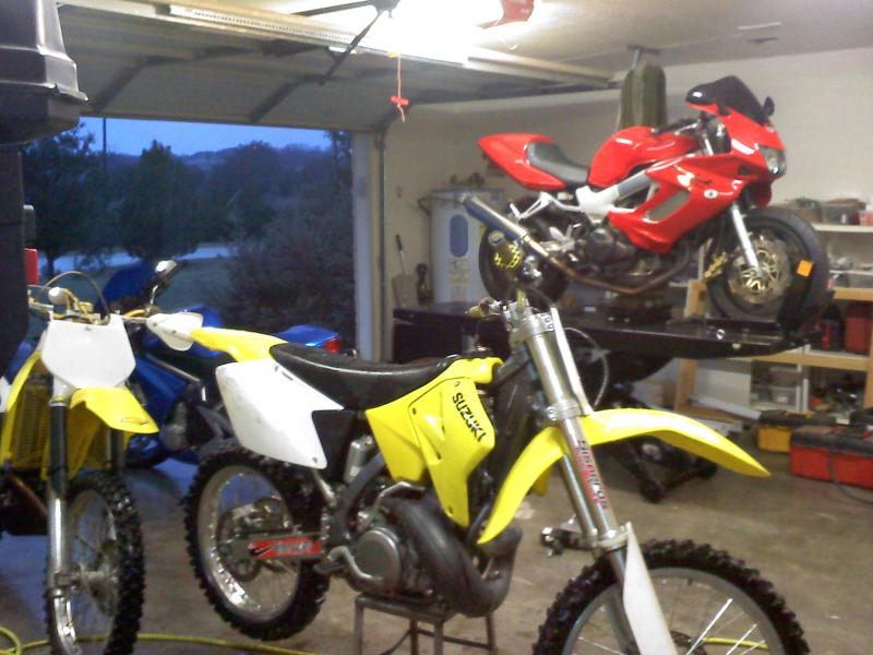 What is a good motorcycle lift table? - General Dirt Bike