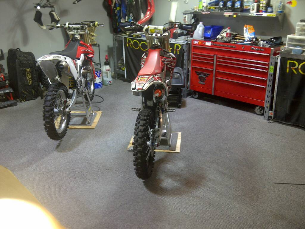 Post A Pic Of Your Garage Setup Page 27 Dirt Bike Pictures Amp Video Thumpertalk