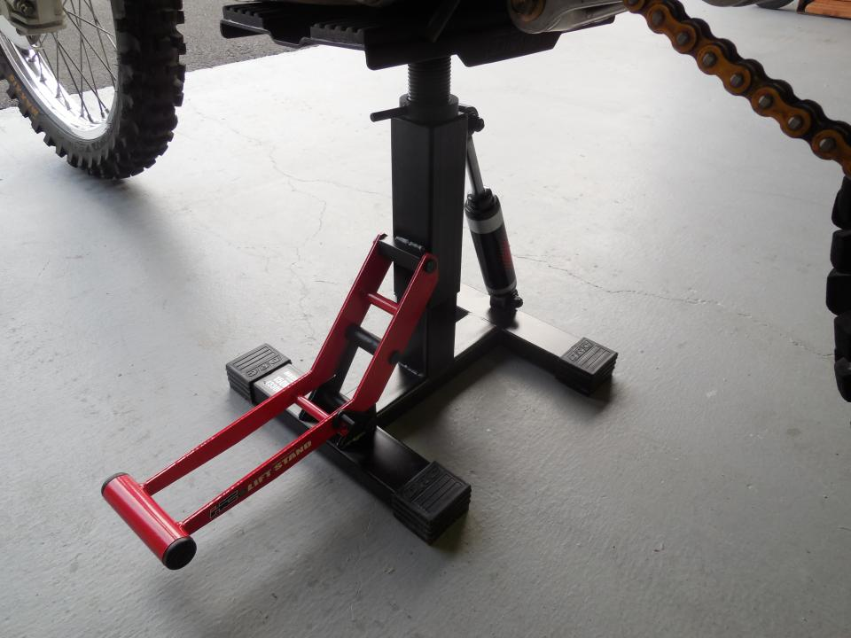 Will A Harbor Freight 350lb Dirt Bike Lift Stand Lift Fit The Drz400sm