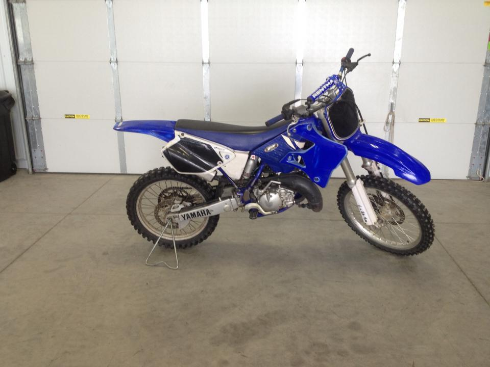 Replacing fork seals: 2001 yz 125 Project - Yamaha 2 Stroke