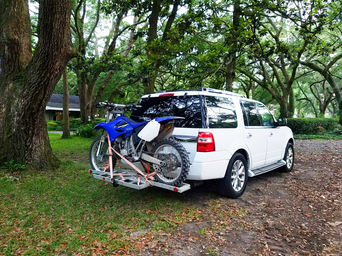 YZ250-Hitch-in-the-Hood.jpg.521aae9cb047285c52f925600202a498.jpg