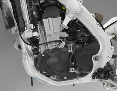 19 Honda CRF450L_engine L.jpg