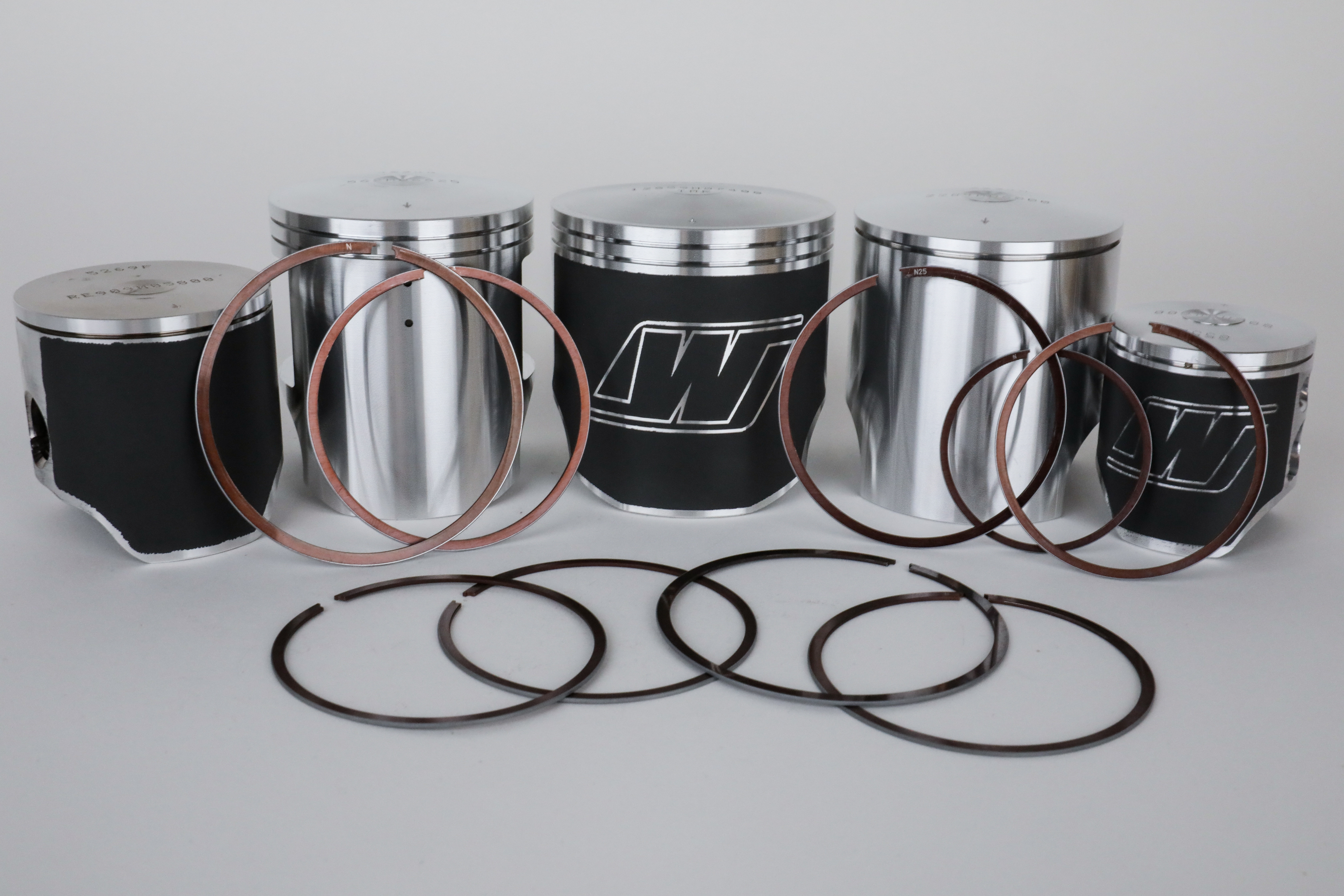 Single-Ring vs. Two-Ring 2-Stroke Pistons: Which One is Better?